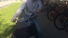 Patrick Holmgaard Mortensen - Det er cool, fordi at han har cykelhjelm på!