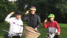 Mig - Det er cool at have cykelhjelm på c: