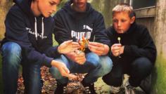 Taget af Philip for gruppen bestående af Gustav, Anton, Oliver og Philip - Vi brænder smøgerne for at vise, at det ikke er sejt at ryge. Med en slikkepind behøver man ikke smøgerne, og man ser stadig cool ud.