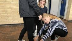 Asta, Nikoline, Line og Annika - Fordi det er cool og hjælpe hinanden