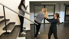 Asta, Nikoline, Line og Annika - Fordi det er cool og hjælpe en som bliver drillet