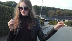 Sofia og Mette - Hun er cool, fordi hun vælger slikkepinden frem for cigaretten