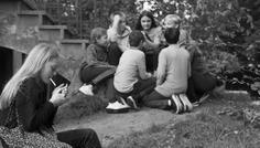 Sofus, Ludvig, Liva, Allema, Zarif, Nuka og William. - På trods af, at nogle er begyndt at ryge, findes det største fællesskab i vores klasse uden røg.