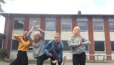 Anna, Anne-sofie, Ellen, Emma - Vi er cool fordi vi kan være os selv samtidig med at vi har det sjovt:)