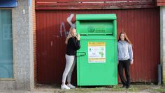 Lærke og Rebecca - Genbrug er cool fordi det symboliserer at man passer på naturen og hjælper andre.