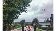 Fotograf: Ashley og Cecilia. På billedet: Oliver, Christoffer og Magnus - Det er cool og være glad selvom det kan være svært sommetider:)