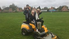 Sara, Freya og Emil - Sej havetraktor - cool pedeller :-)
