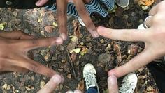 Josephine, Katrine og Muna 7.B - Det er godt at stå sammen og godt at have et forskelligt sammenhold. Husk at være dig selv!