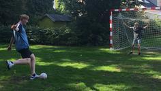 Emilie, Alexander, Signe og Anton - Det er cool at spille bold
