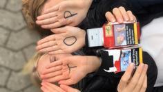 Emilie, Amalie, Marie, Sarah og Laura - Billedet er cool, fordi vi vil sikre en røgfri fremtid og stoppe med at ryge, før det er for sent. #røgfrifremtid