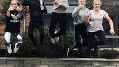 Fotograf Catrine. På billedet Marie,Nikolaj,Fredrik,Kristina og Freya - Det er COOL at have et fedt fællesskab.