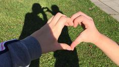 Duygu og Marie - Det er cool at give kærlighed til vennerne og alle andre på jorden ❤️❤️❤️❤️❤️❤️
