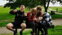 August løndal, Else Christensen, Magnus christensen og Sigurd lange - Man behøver ikke at ryge for at have et godt sammenhold.