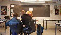Mohamed Kaiser Raja. Vejlebroskolen 8.C - Det her billede beskriver hvorfor det vigtig at gå i skolen og at man burde have fokus på timen fordi emnet er vigtigt til sin fremtid.